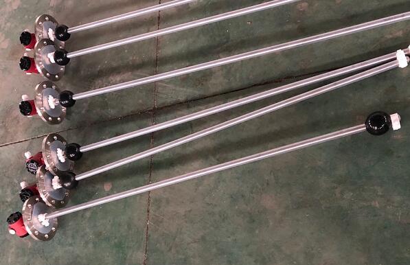 UQZ-210浮球液位计